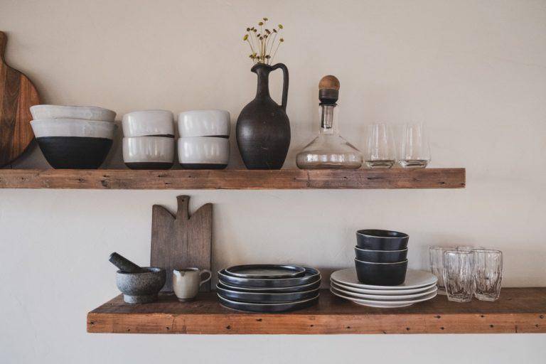 Få mere plads i dit hjem med svævehylder